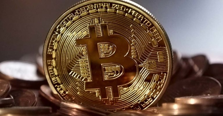Bitcoin contro oro: quale scegliere?