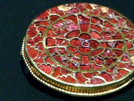 La finezza della regina Aegonde: splendidi gioielli del periodo merovingio